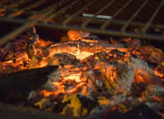Grill ogrodowy - jak zbudować murowany grill krok po kroku